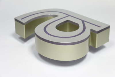 Işıklı satıneli paslanmaz kutu harf modeli