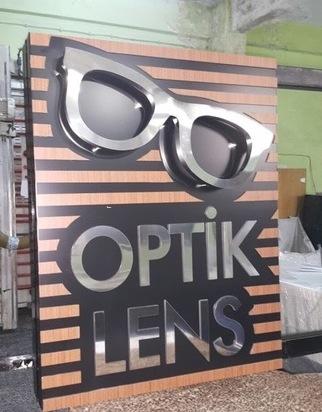 Gözlükçü Tabelası, Işıklı optik tabela