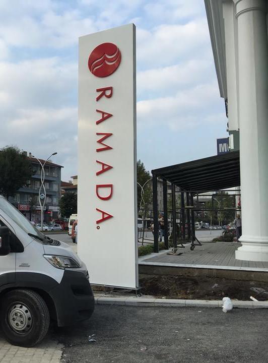 Ramada Otel Tabela Totem
