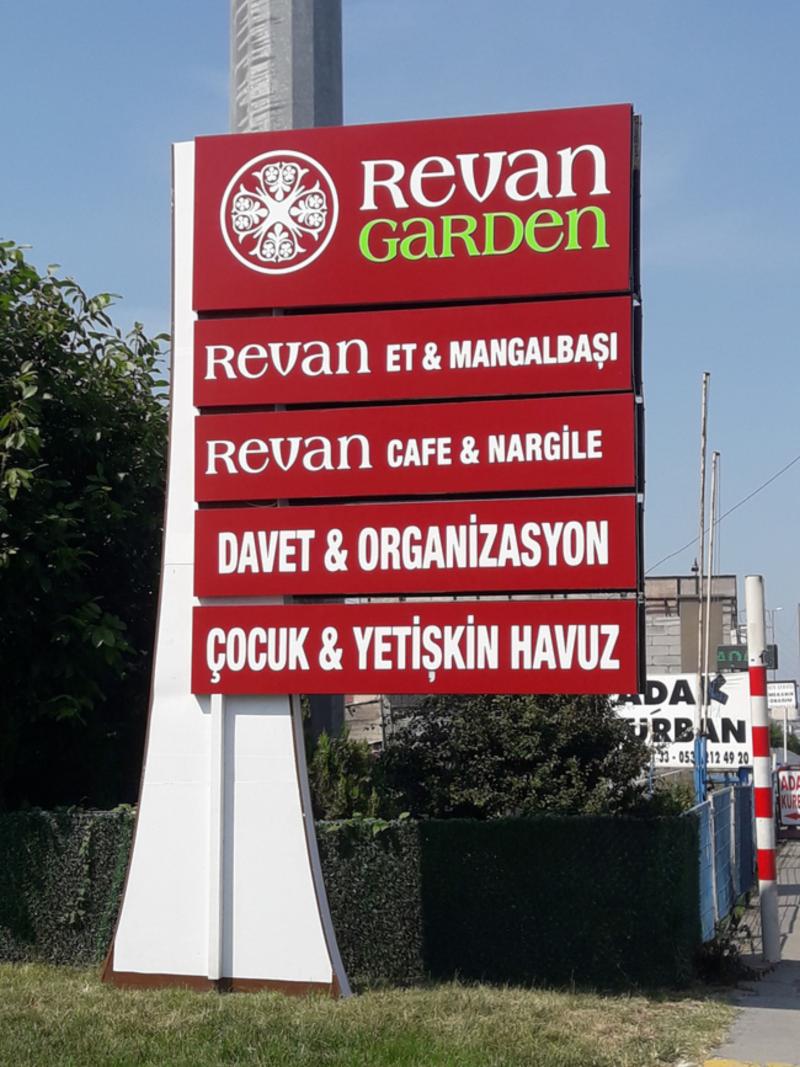 İstanbul Küçük çekmece Revan Garden  Totem tabela